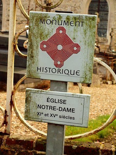 eglise_menerval_monument-historique